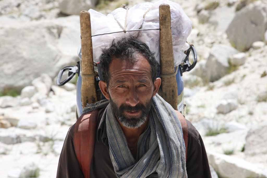 A Balti from the village of Askoli, at one of our reliable porters on our way to the base camp, 64 kb