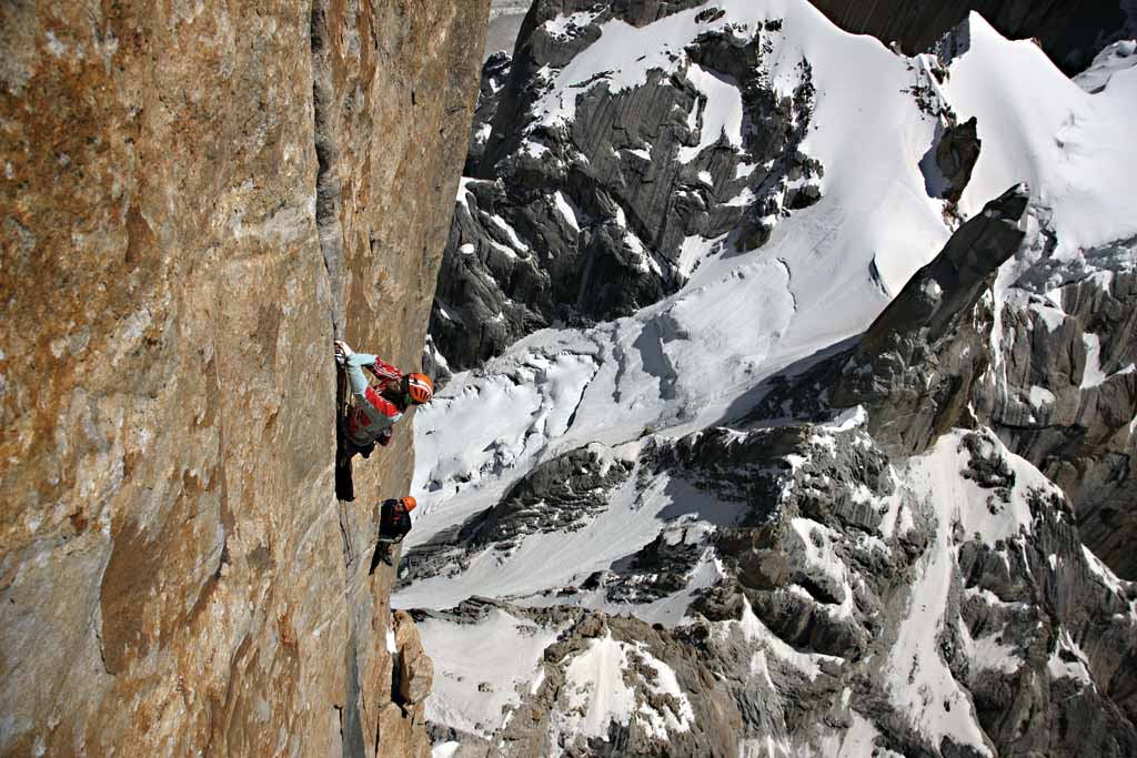 """Thomas climbing the 11th pitch """"Burn for you"""" (5.12d). The steep, powerful and exhausting hand crack demands full commitment ., 132 kb"""
