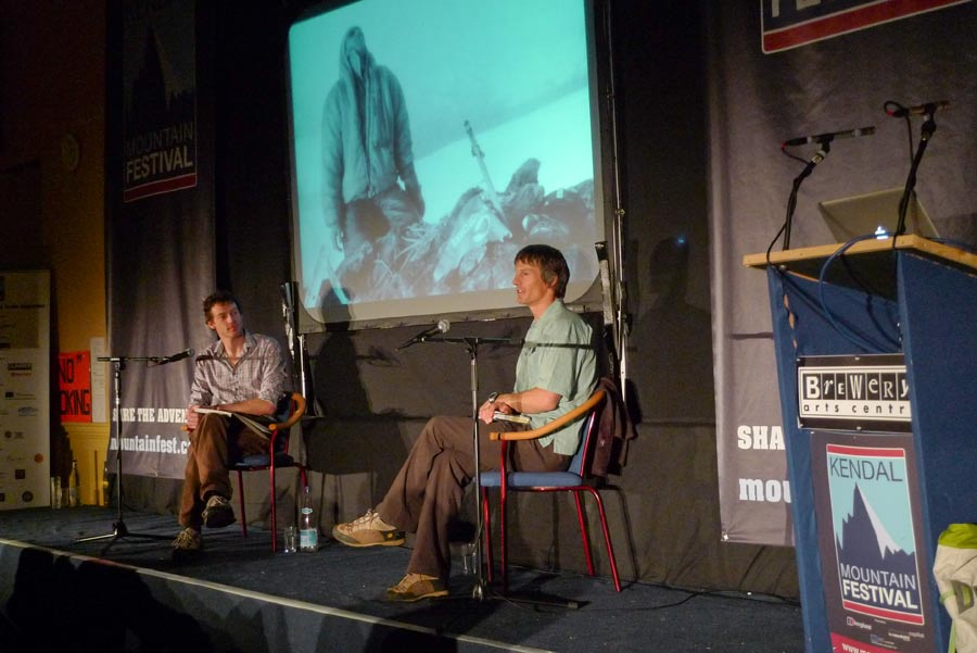 Boardman Tasker winner Steve House being interviewed by UKC editor Jack Geldard  at Kendal 2009, 76 kb