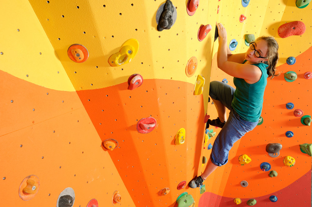 The Beacon Bouldering Wall, North Wales, 135 kb