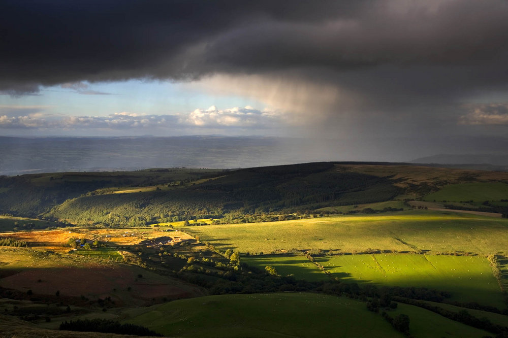 Cusop Dingle from Hay Bluff, Black Mountains., 109 kb