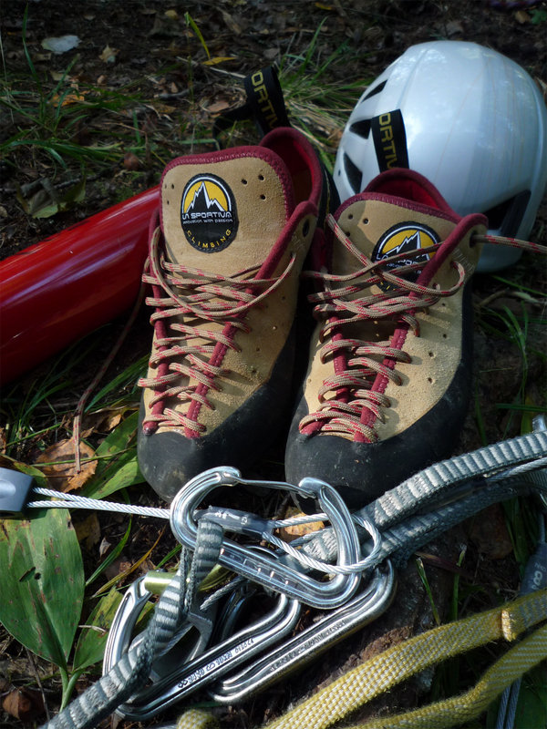 The La Sportiva Cliff 5s, 158 kb