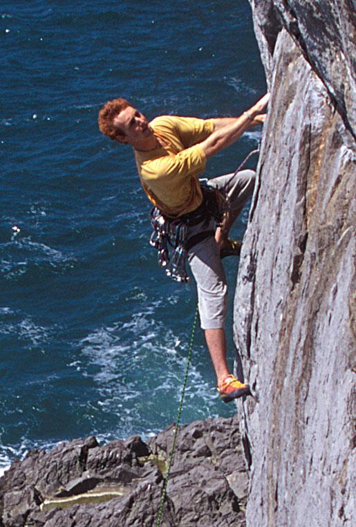 Charlie Woodburn climbing in Pembroke, 129 kb