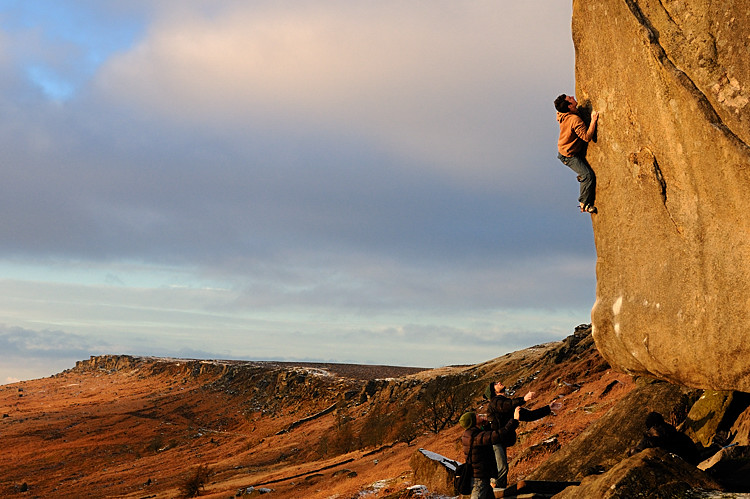 James McHaffie on Careless Torque (highball Font 8a) Stanage, 147 kb
