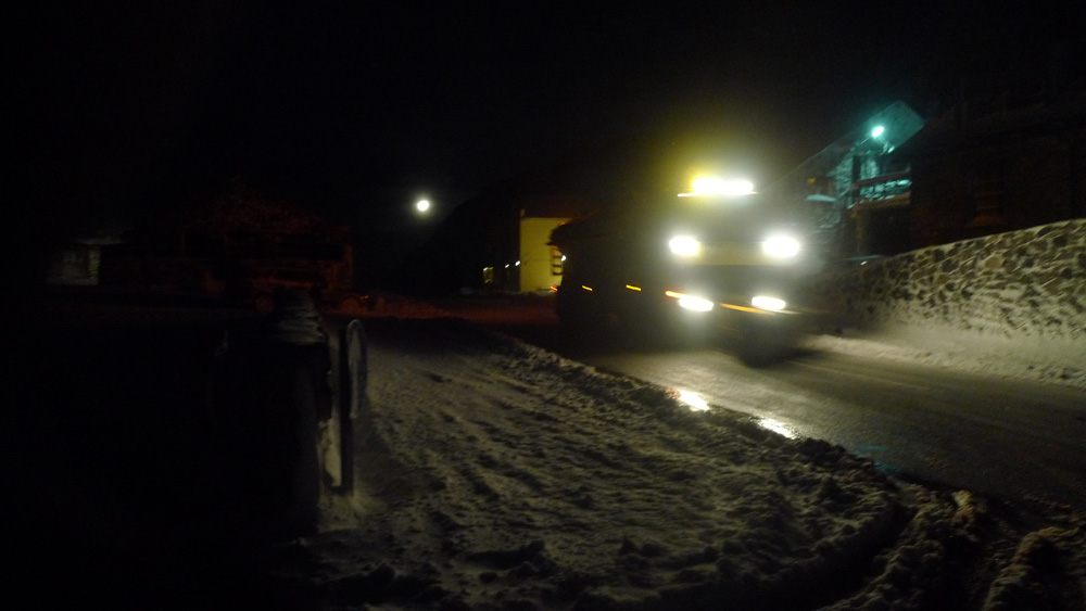 Snow plough at Pen y Pass., 107 kb