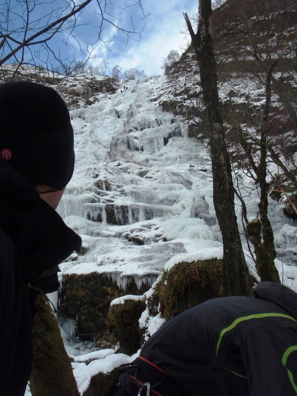 Eyeing the line on Steall falls, Photo: Al Halewood , 105 kb