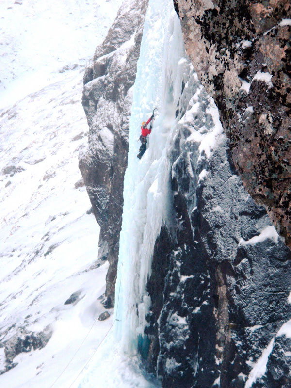 Climber on the main CIC hut icefall, Ben Nevis, 134 kb
