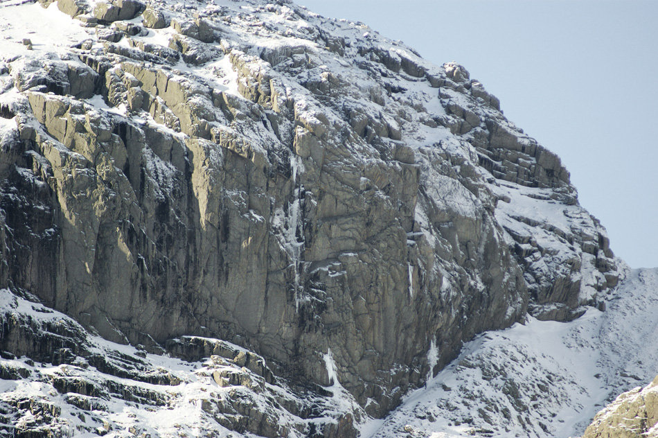 The East Buttress of Scafell in superb Winter Conditions, 209 kb