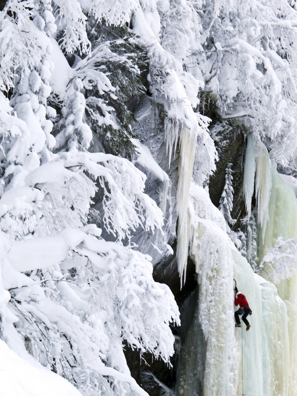 Ice-climbing in Rujkan, Norway, 136 kb