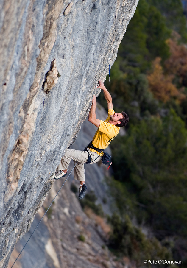 Neil Mawson on Marroncita F8b/F8b+ at Oliana, Spain, 235 kb