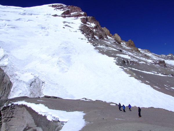 Climbers trek toward the summit, 147 kb