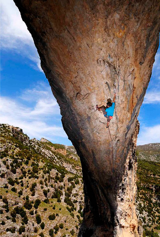 El Delfin (F7c+) is man-made and proud of it; or so it seems. Steep too..., 152 kb