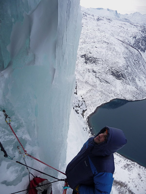 Viv Scott in the Marmot Greenland Jacket, 90 kb