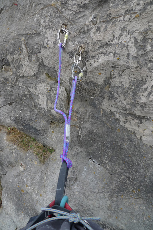 The Doubledynaclip on a bolt belay at LPT - Wales, 134 kb
