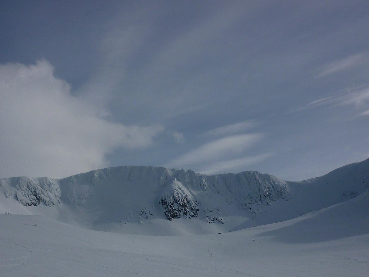 Northern Corries still plenty of snow, 69 kb