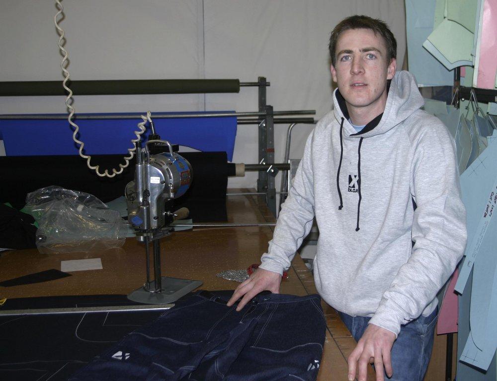 Aide Jebb looking for virgins in Barnsley, 104 kb