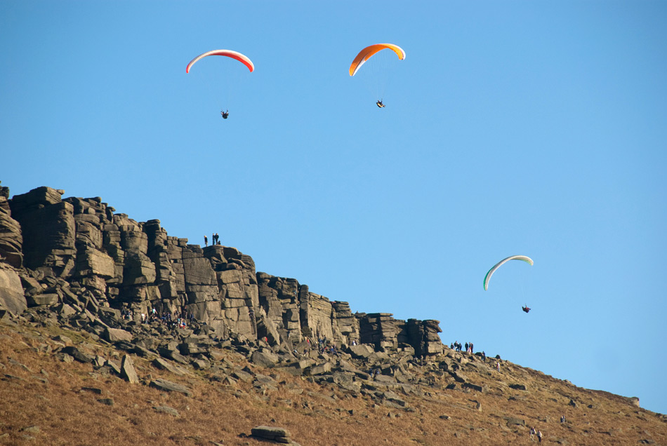 A busy Stanage, 155 kb