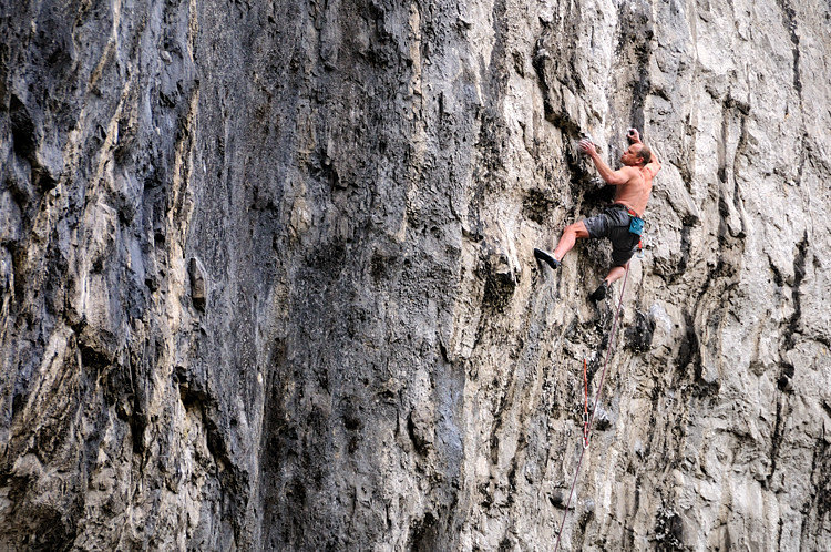 Paul Reeve on Unjustified F8c at Malahm, 190 kb