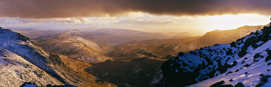 Looking west over from Bowfell's summit across the wild Upper Esk Valley, 133 kb