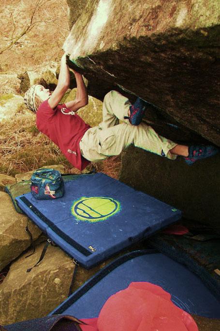 Ed Hamer climbing Supersize me - Font 8A+, 107 kb