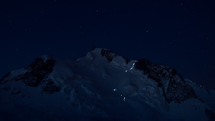The power of light: headlamps on their way to the summit of Mont Blanc through the Col du Mont Maudit, 79 kb