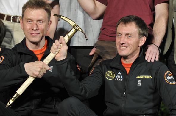 The Kazakh climbers Denis Urubko and  Boris Dedeshko, 185 kb