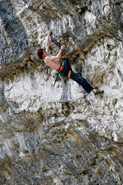 Adam Ondra � tearing up the upper bulges of Overshadow (F9a+), Malham Cove, North Yorkshire, 170 kb