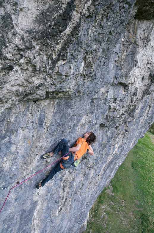 Ondra tears up North Star the F9a/+ in just four redpoint attempts, 217 kb