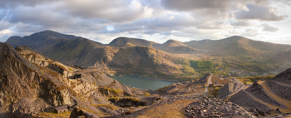 Beauty Beyond the Wastelands. Snowdon from the slate quarries., 234 kb