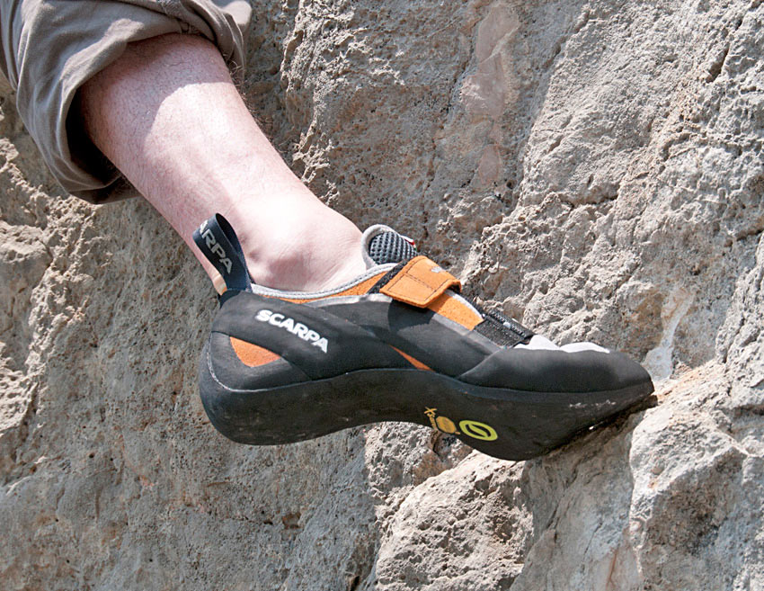 The Scarpa Vapour V (velcro) on some slippery limestone, 177 kb