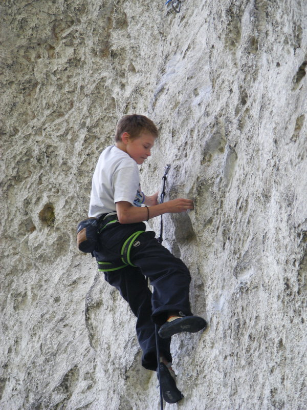 Randy Topping out Raindogs, 139 kb