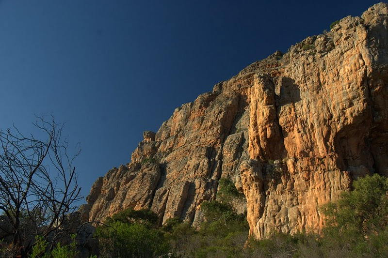 arapiles, how i do love thine scabby charms., 127 kb