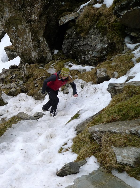 Sarah Stirling testing the Simple Guide Pants in Snowdonia, 122 kb