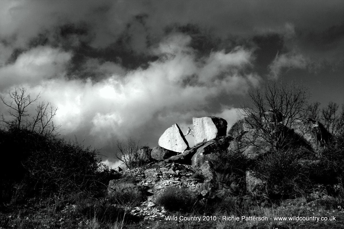 Bouldering at Zarzalejo Spain - Richie Patterson, 202 kb