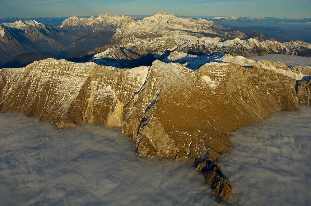 KRN, 2244 m (SLOVENIJA) N 46 15 29 E 13 37 45 (taken at 3815 m ), 194 kb