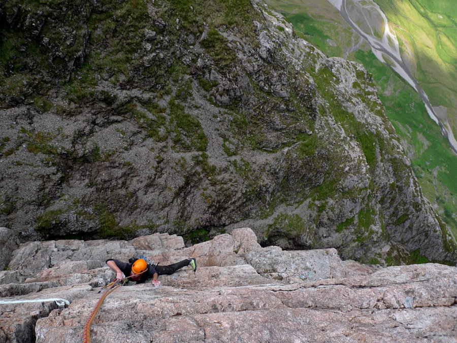 The First Ascent of Bunjee, E4 on Aonach Dubh, Glencoe, 231 kb