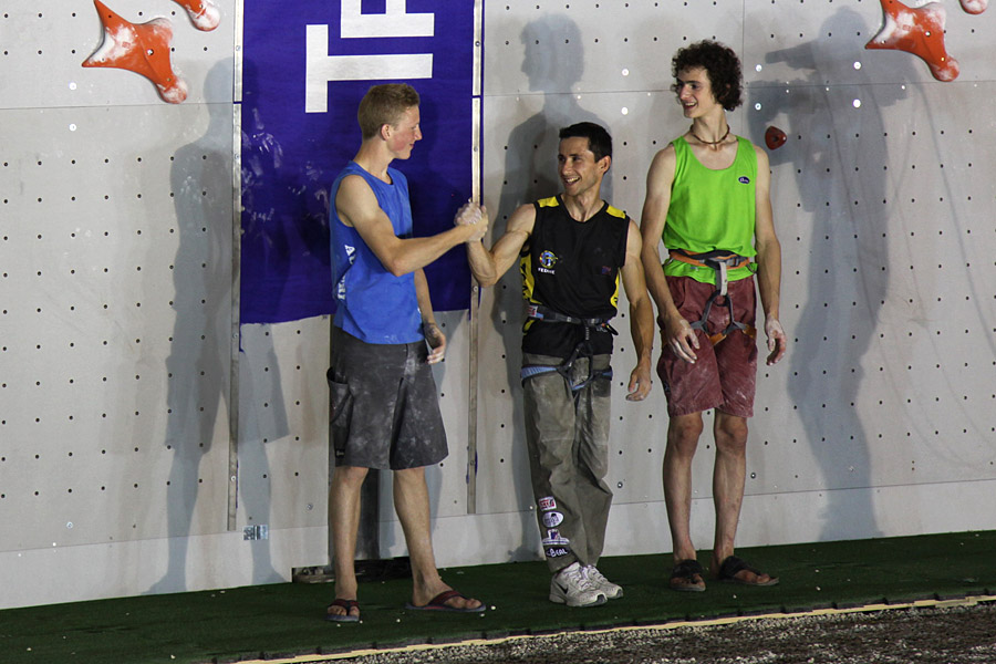 First and second place Puiblanque and Schubert shake hands as Ondra looks on., 158 kb