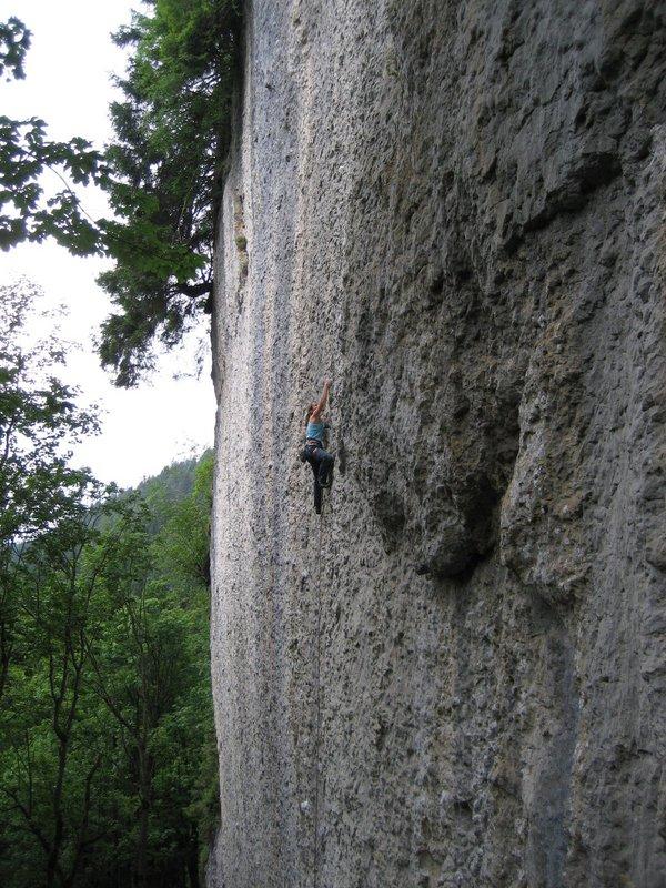 Barbara Zangerl climbing at the Voralpsee, 144 kb