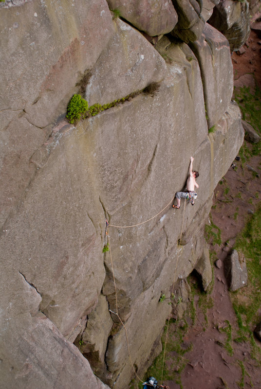 Stephen Horne on the Swan at the Roaches, E3 5c, 116 kb