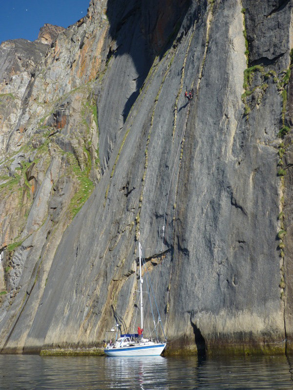 Bob not hesitating to put his boat on the line for the ascent. Ben and Sean at the first belay., 158 kb