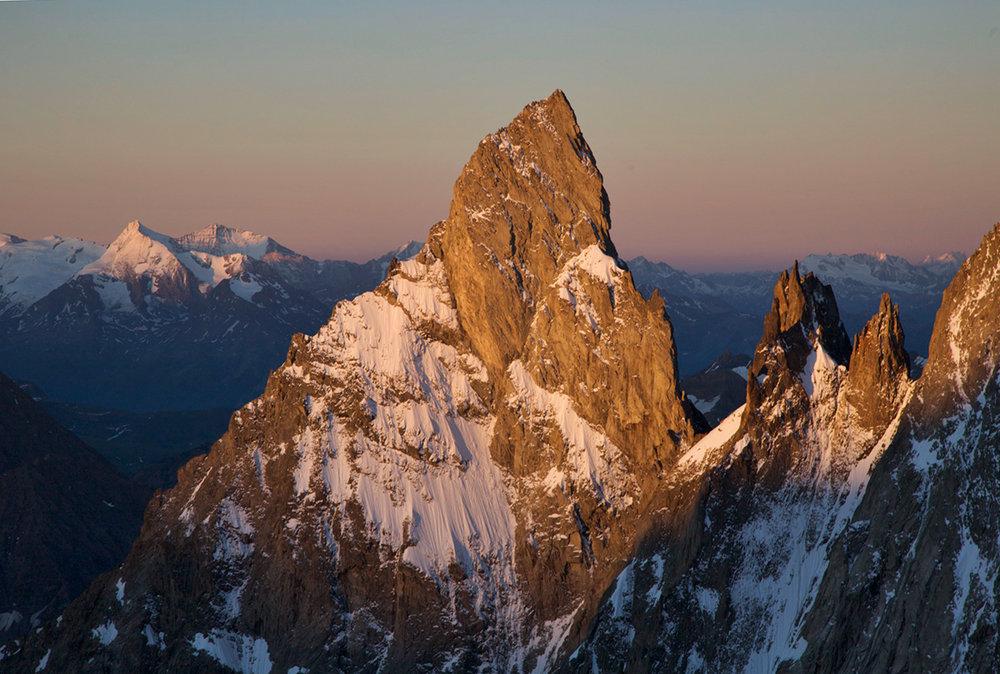 l'Aiguille Noire de Peutrey at sunrise., 172 kb