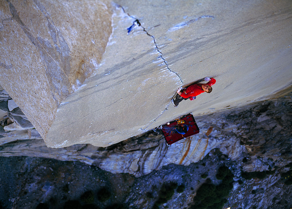 Leo on the amazing crack 'A1 Beauty' pitch of the Prophet, El Capitan, Yosemite, 214 kb
