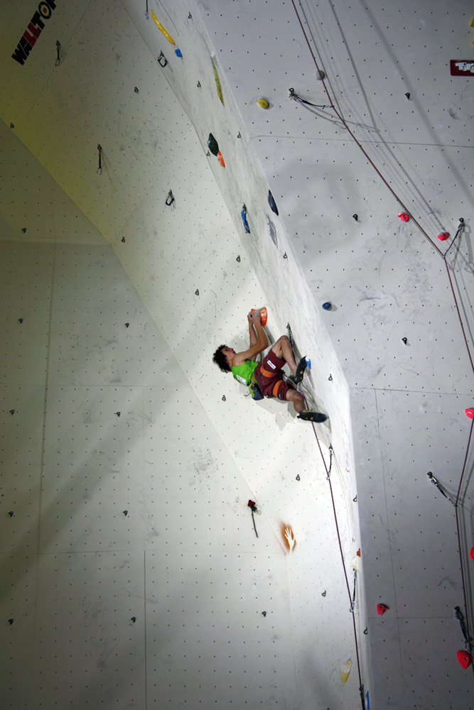 Adam Ondra climbing to second place in the men's lead competition, 205 kb