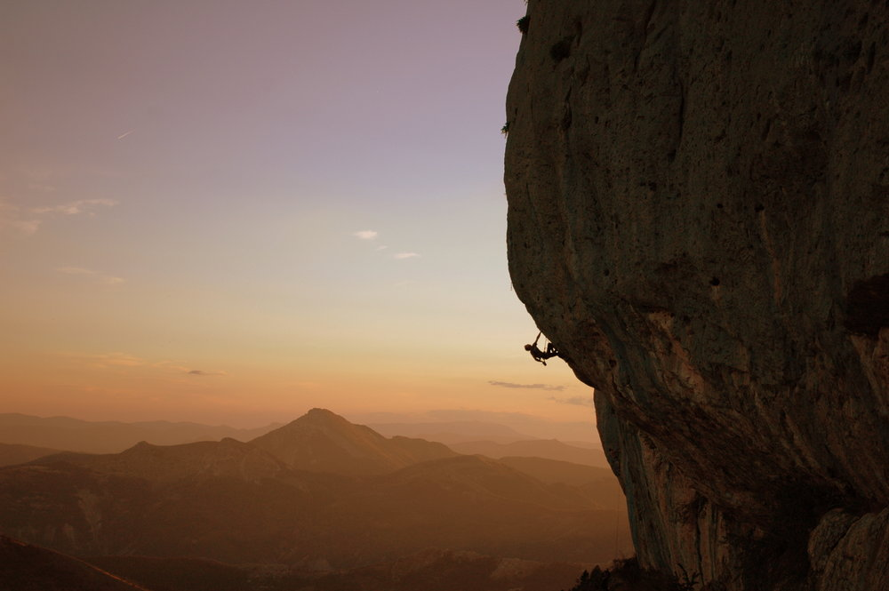 Evening cragging in Ceuse, 64 kb