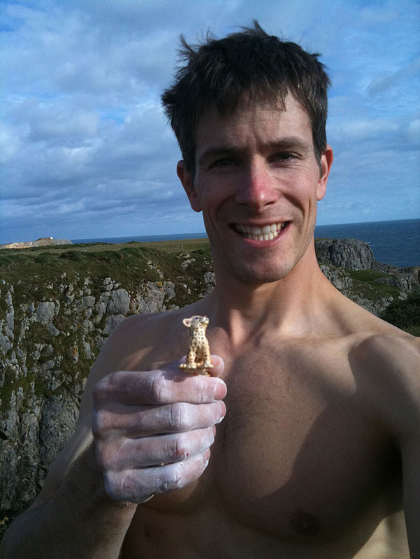 Steve, moments after topping out Muy Caliente!, with his lucky charm?!, 95 kb