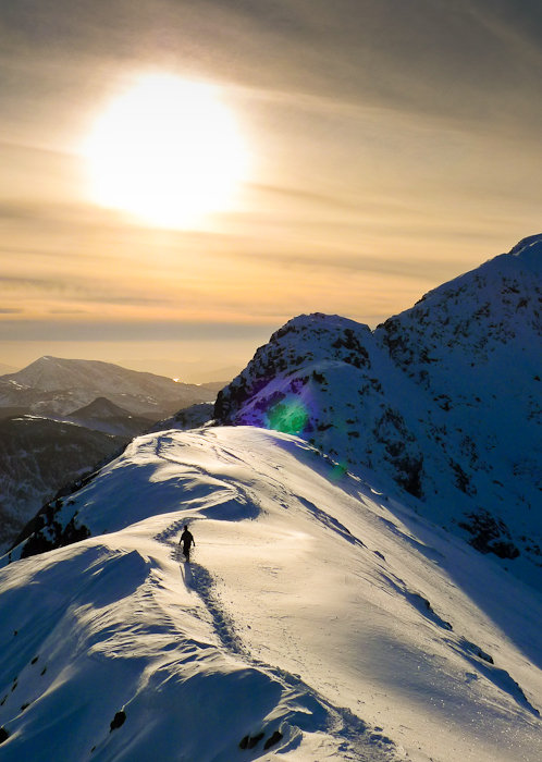 Sunset on the Aonach Eagach ridge in perfect conditions Scotland 2010, 79 kb
