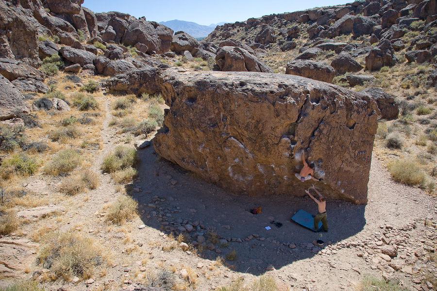 Kling and Smirk V2, Savannah Boulder, Happy Boulders, 195 kb