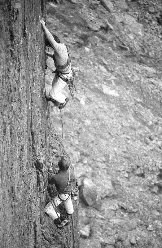 Top pitch of Cemetery Gates, Cromlech, 114 kb