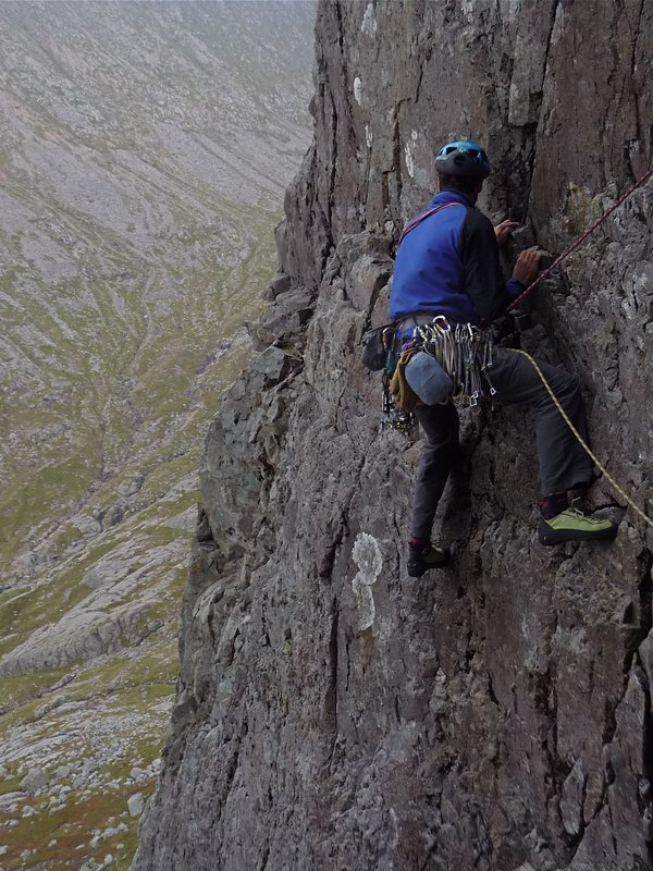 Tiny weight and bulk makes the Demand ideal for carrying up routes on the back of the harness - Centurion, Ben Nevis on a threa, 134 kb