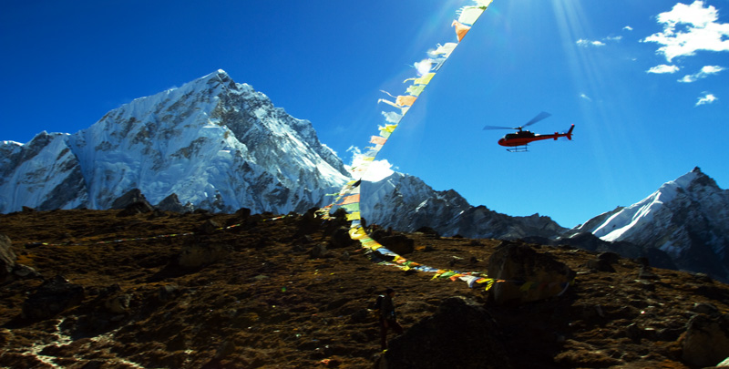 Heli-rescue near Everest BC, 124 kb